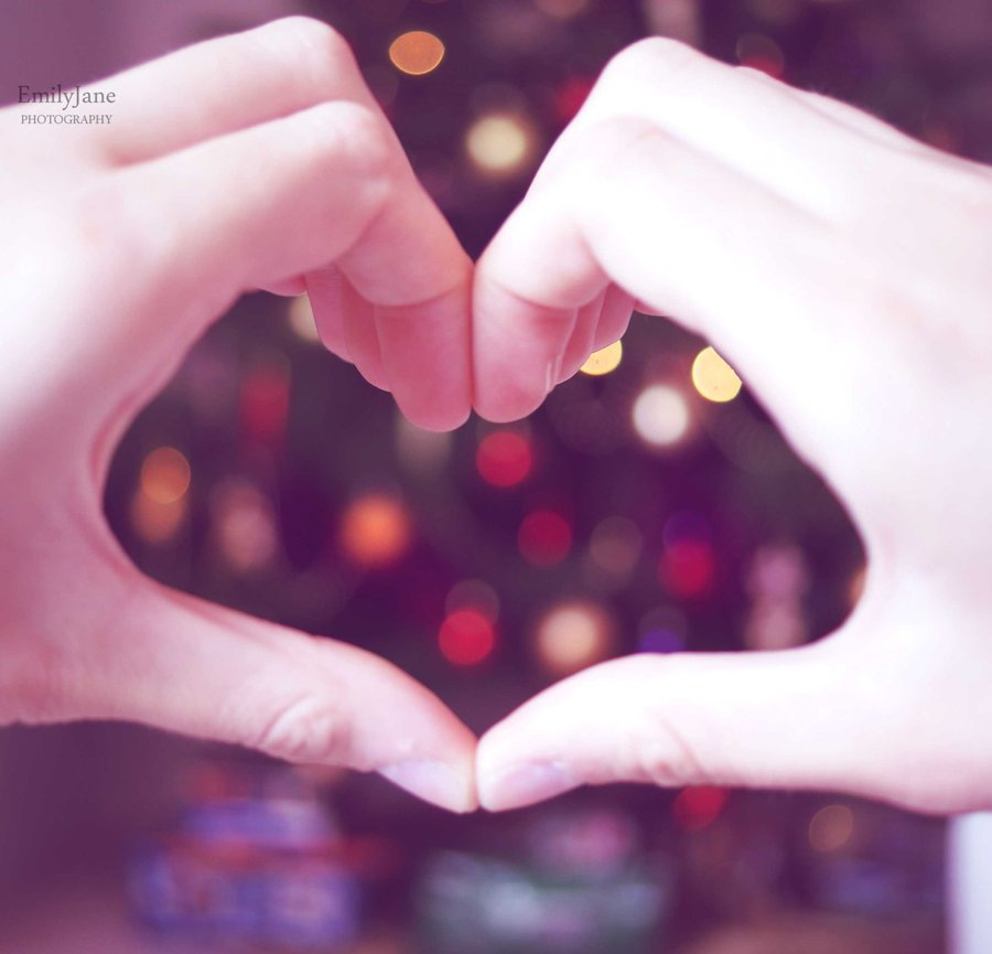 christmas_love_by_missunfortunate-d34z45k
