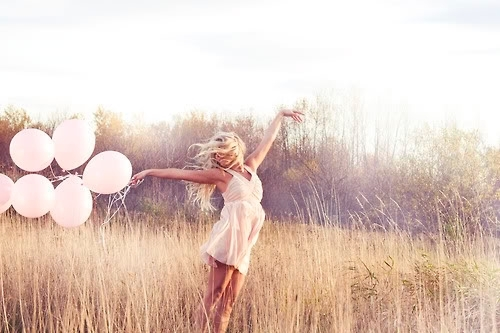 91296-Girl-With-Pink-Balloons