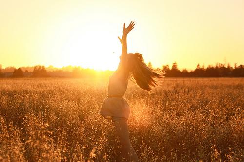 girl-hair-happiness-happy-joy-sun-favim-com-423111