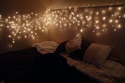 kerstverlichting-slaapkamer-bed